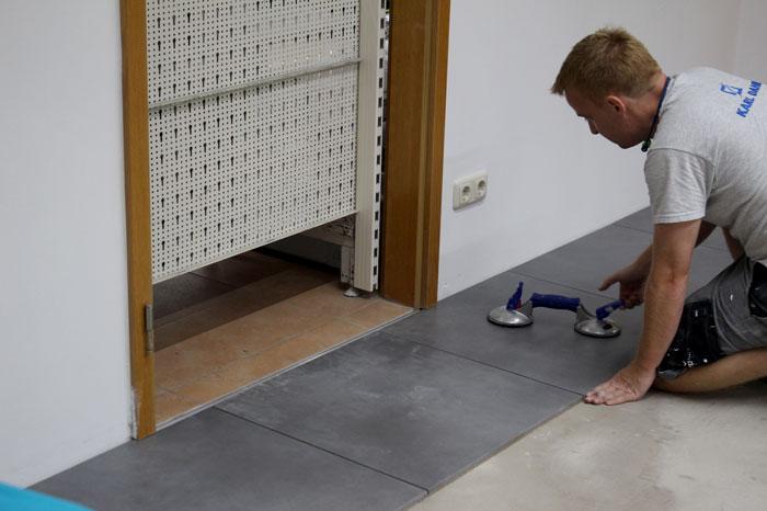Fliesen im Drytiling Verfahren verlegen mit KARL DAHM Werkzeugen